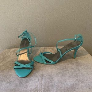 Nine West Turqoise strappy heels